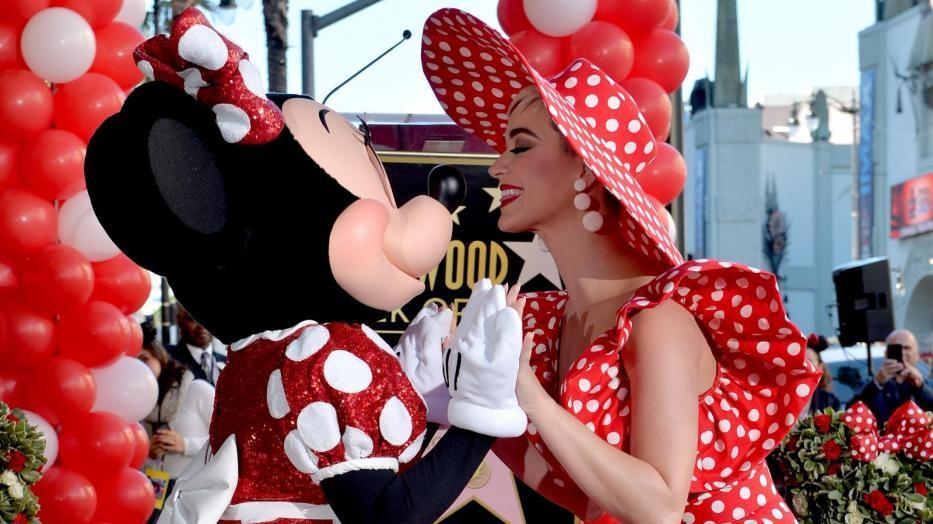 """Hollywood Walk of Fame, anche Minnie ha la sua stella. Katy Perry: """"È un'icona di moda"""""""