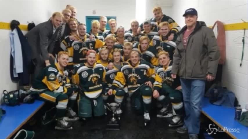Canada, scontro camion-pullman: morti 14 giocatori di squadra giovanile di hockey
