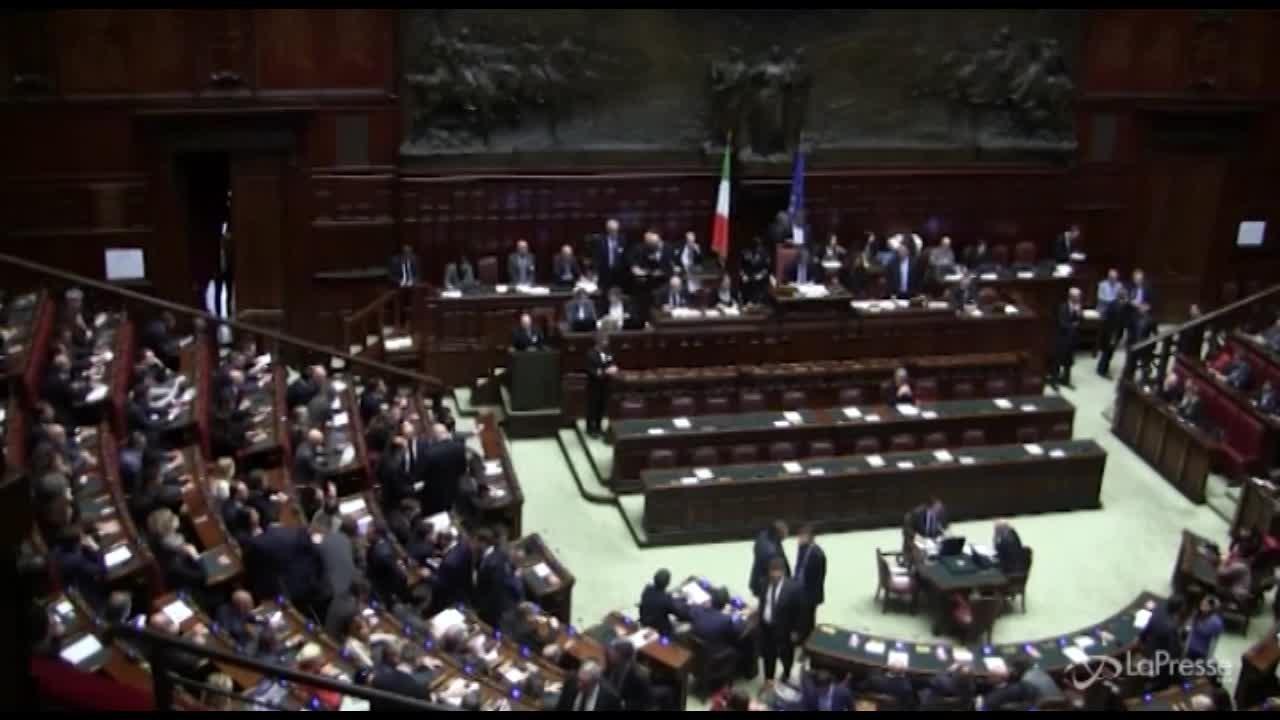 """Siria, Gentiloni: """"Italia non neutrale, è alleata Usa"""""""