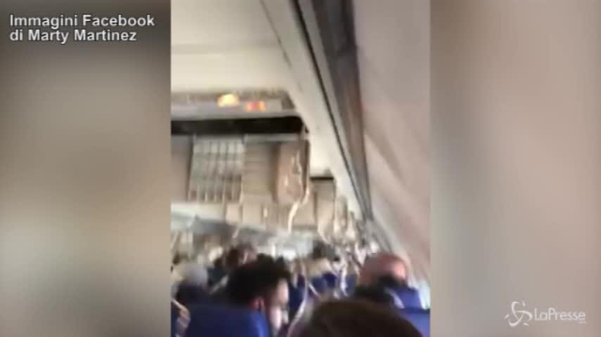 Paura sul volo New York-Dallas: motore esplode e distrugge un finestrino