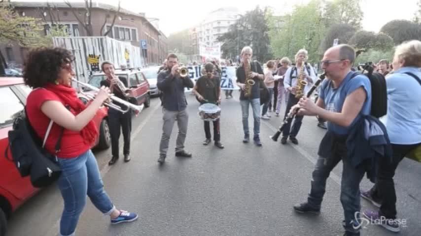 """Milano, musica per dire """"No"""" al trasferimento della Statale"""
