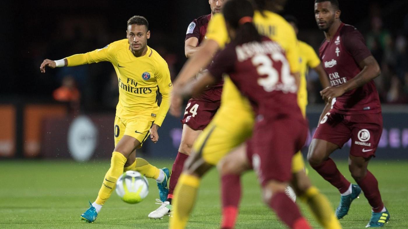 Psg, lite Cavani-Neymar per un rigore. Tira l'uruguaiano e sbaglia