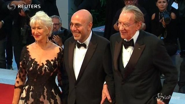 Festival Venezia, sul red carpet Helen Mirren e Donald Sutherland