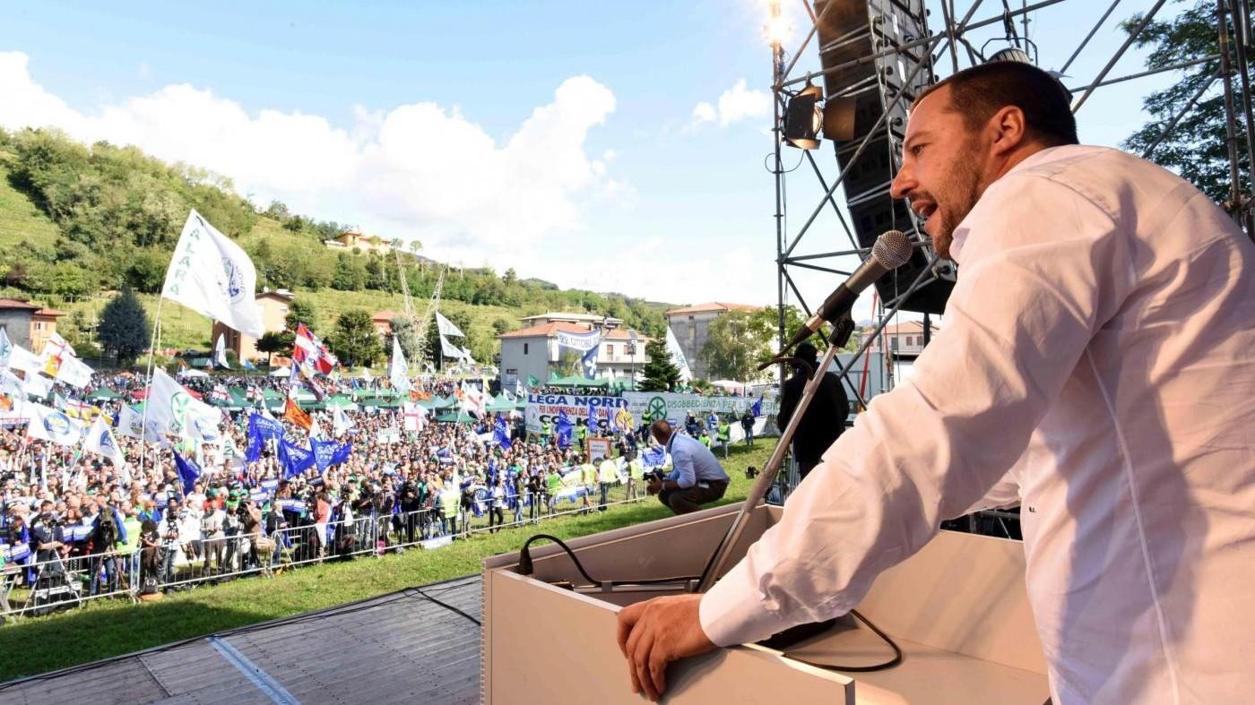 """Lega, Salvini: """"Resteremo fuori dal Parlamento per una settimana"""""""