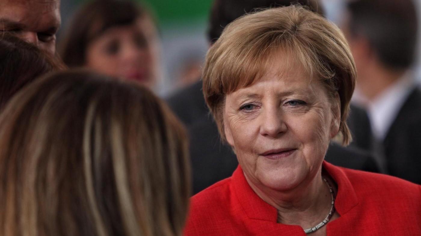 """Elezioni tedesche: Merkel al 36%, verso la """"Grosse Koalition"""""""