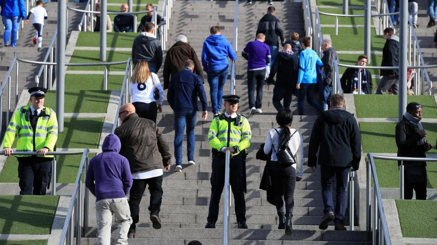 Londra, pacco sospetto: evacuata parte della City