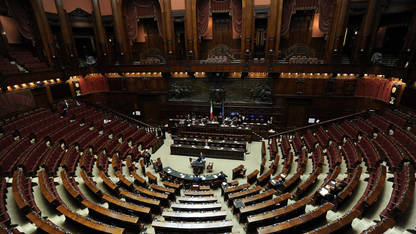 Legge elettorale, Berlusconi apre a Rosatellum bis. Muro Bersani e Pisapia