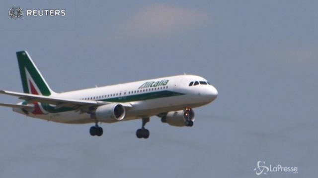 Alitalia, Ryanair farà un'offerta vincolante