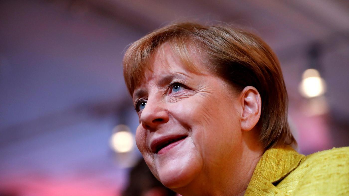 """Elezioni in Germania, gli appelli di Merkel e Schulz: """"Andate a votare"""""""