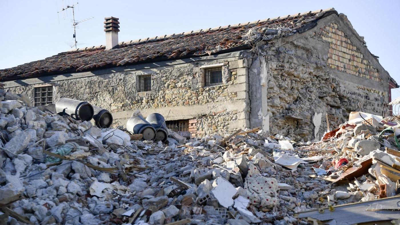 Terremoto, i fondi sms non sono mai arrivati ad Amatrice: indaga la procura Rieti