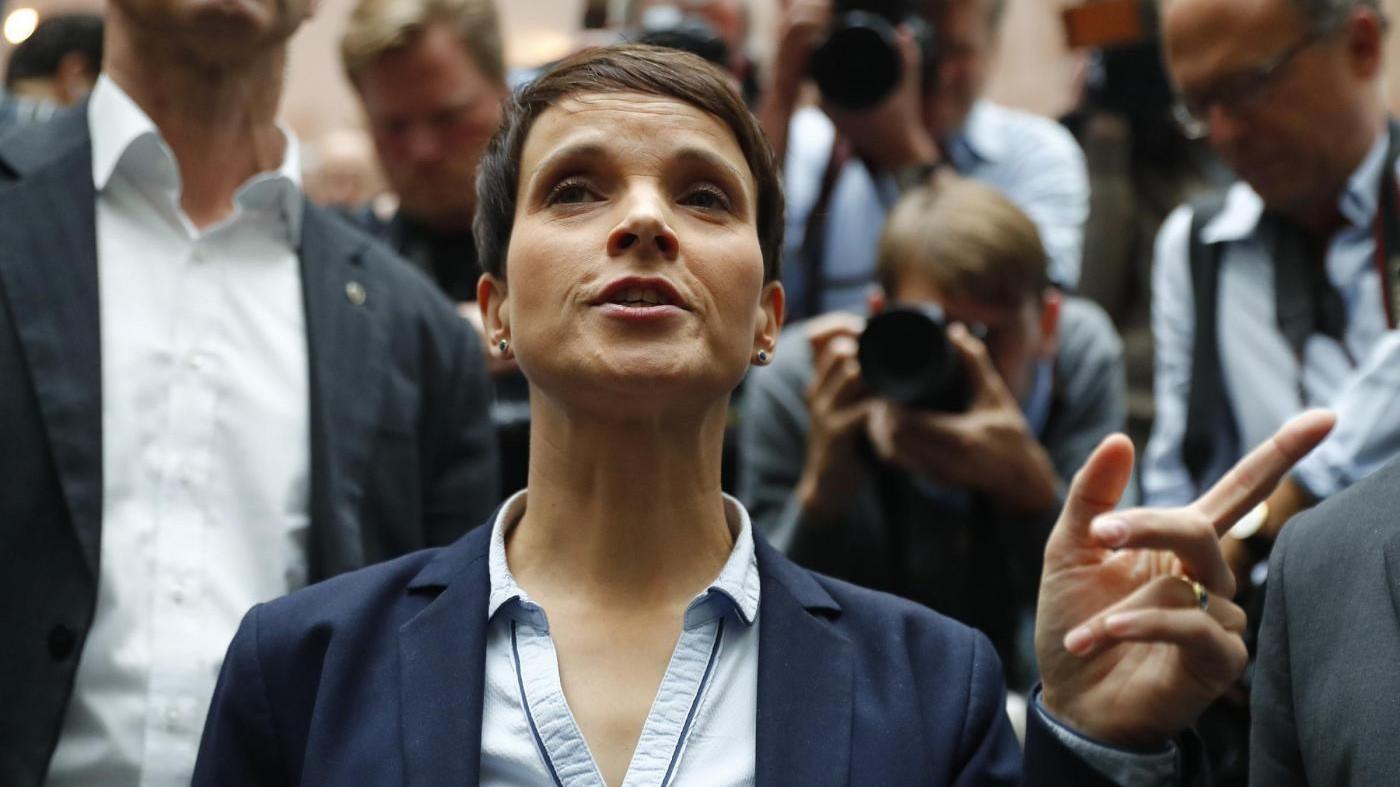 Germania, Afd si spacca: Petry non farà parte del gruppo Bundestag