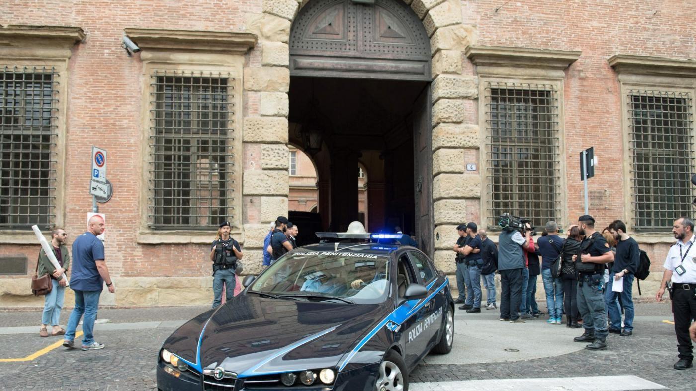 Perugia, due giudici accoltellati in tribunale. Legnini: Gravissimo