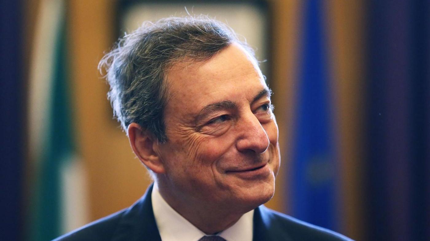 Draghi: Ripresa accelera ma Qe serve ancora, rafforzare eurozona