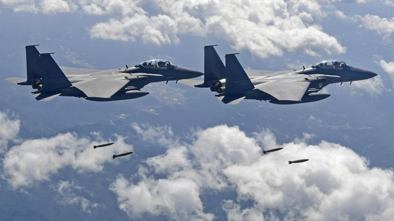 """Nord Corea: """"Usa hanno dichiarato guerra. Abbatteremo loro aerei"""""""