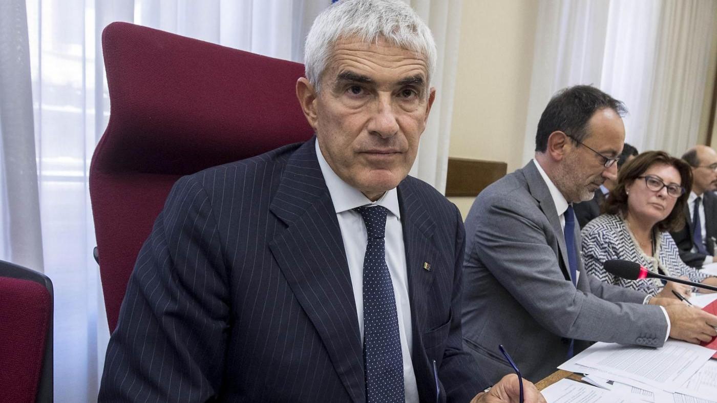 """Banche, Casini presidente commissione d'inchiesta. M5S: """"Nomina è atto di guerra al Paese reale"""""""