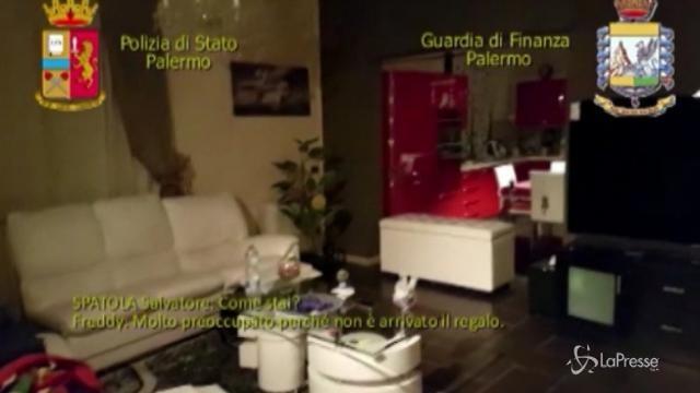 Palermo: cocaina nascosta nei libri, nel parquet e nei motori