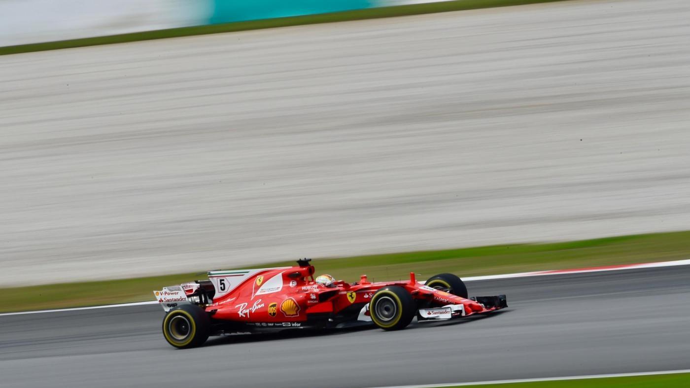 F1, Gp Malesia: Vettel partirà ultimo, in pole Hamilton davanti a Raikkonen