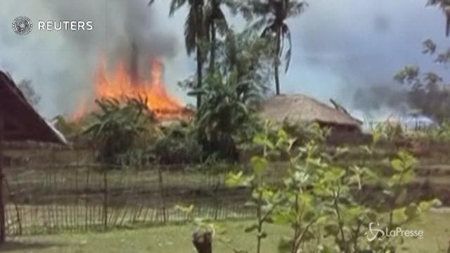 Myanmar, il video di un rifugiato Rohingya mostra villaggi in fiamme