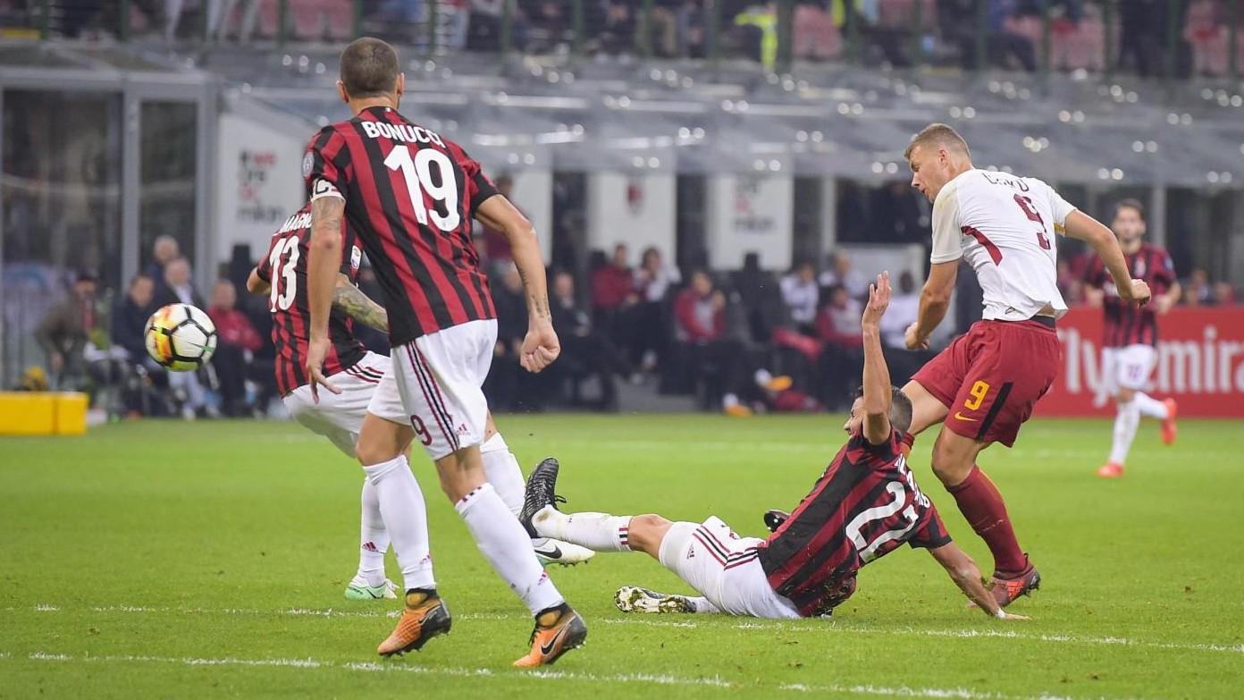 Serie A, le pagelle di Milan-Roma 0-2: super Dzeko, bene Romagnoli