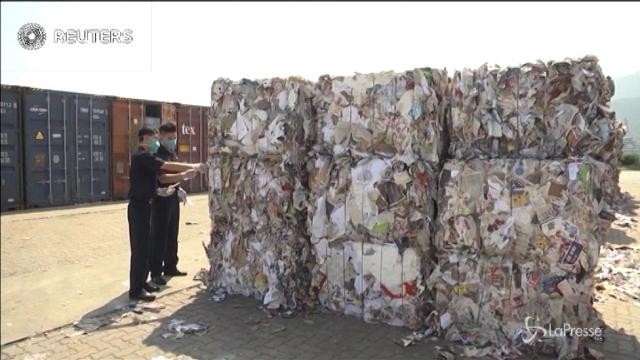 La Cina restituisce 300 tonnellate di spazzatura agli Stati Uniti