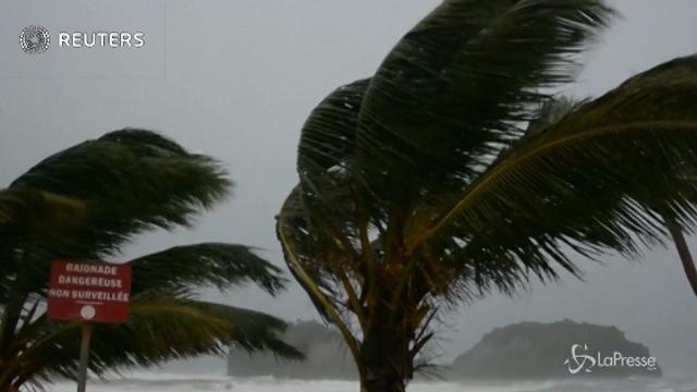 L'uragano Maria si abbatte sull'isola di Martinica