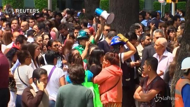 Terremoto: il panico nelle strade di Città del Messico
