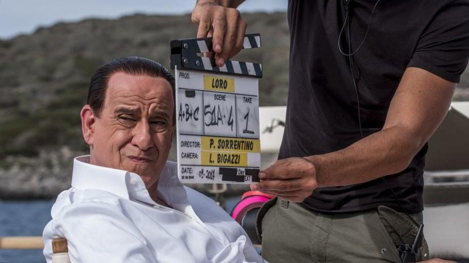 Servillo diventa Berlusconi: la prima immagine del nuovo film di Sorrentino