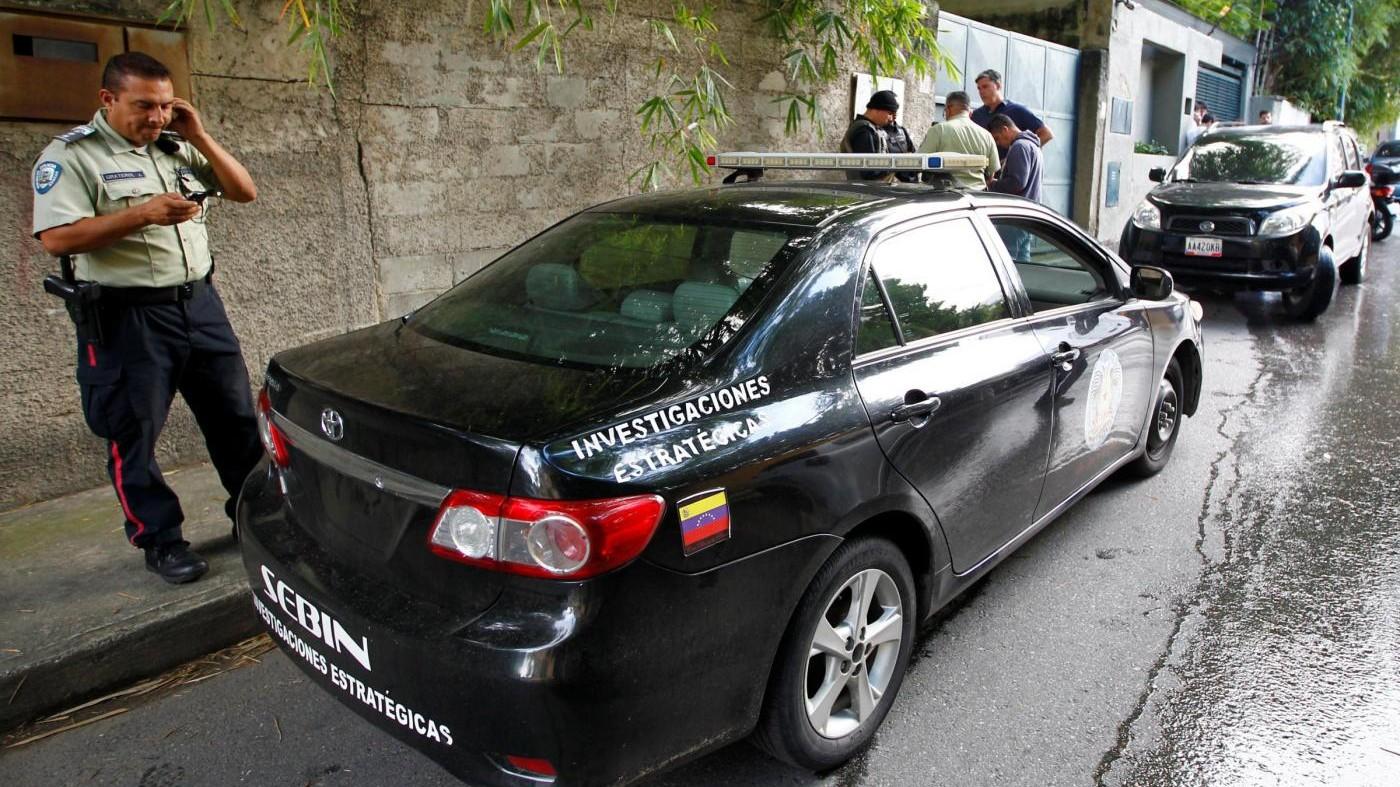 Venezuela, rilasciati i tre giornalisti arrestati. Tra loro anche l'italiano Di Matteo