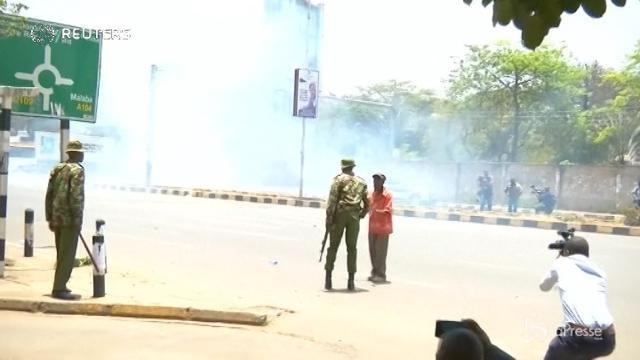 Kenya, proteste e scontri con la polizia