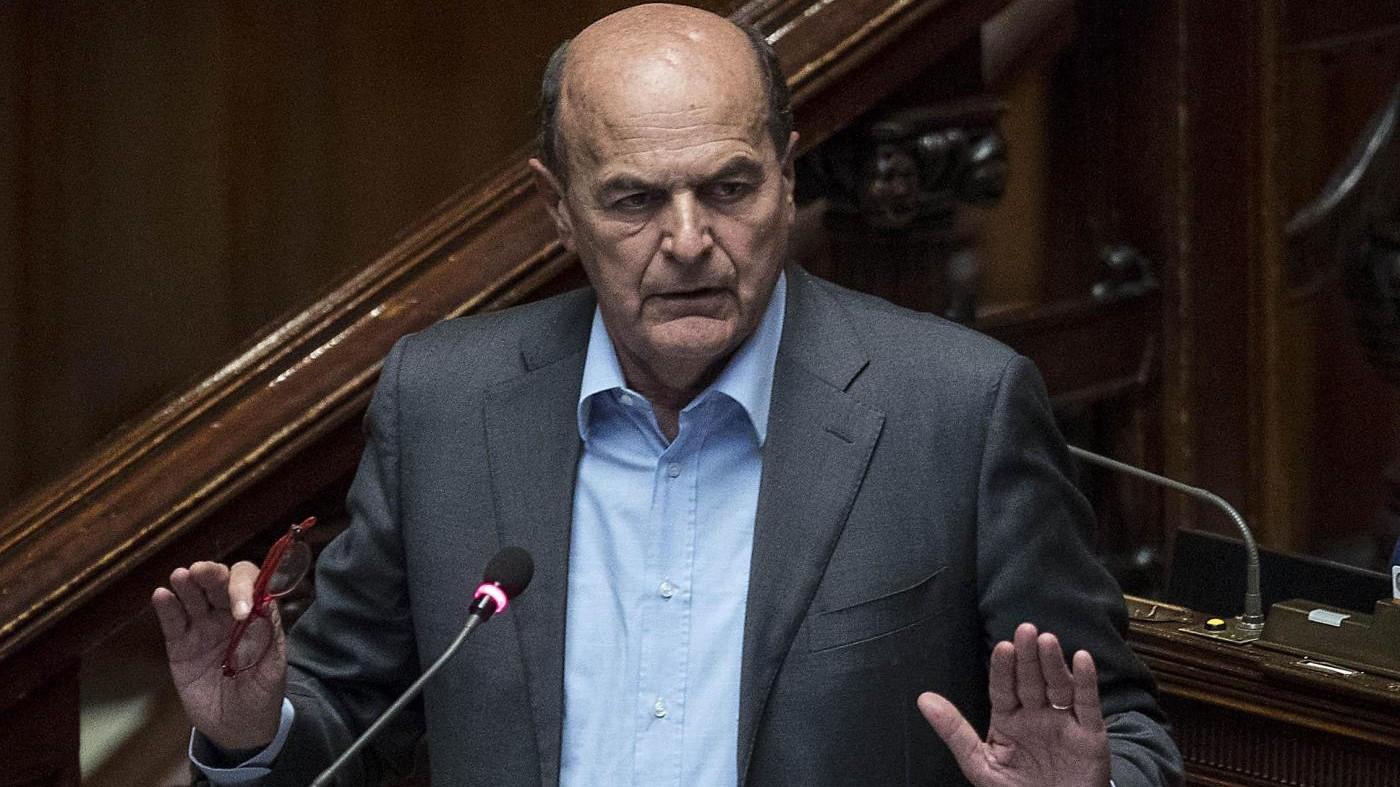 """Bersani: """"Che delusione Gentiloni, ha perso ogni credibilità"""""""