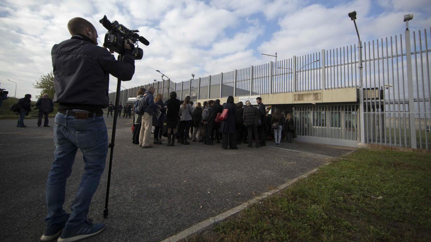 Roma, evasione Rebibbia: chiesto processo a ex direttore e altri 13
