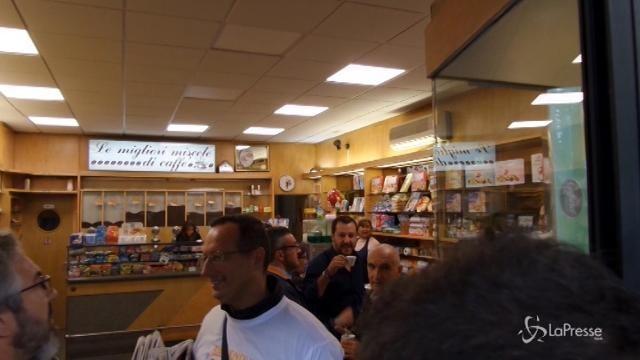 """Salvini contestato al Giambellino: """"Esci fuori coniglio"""""""