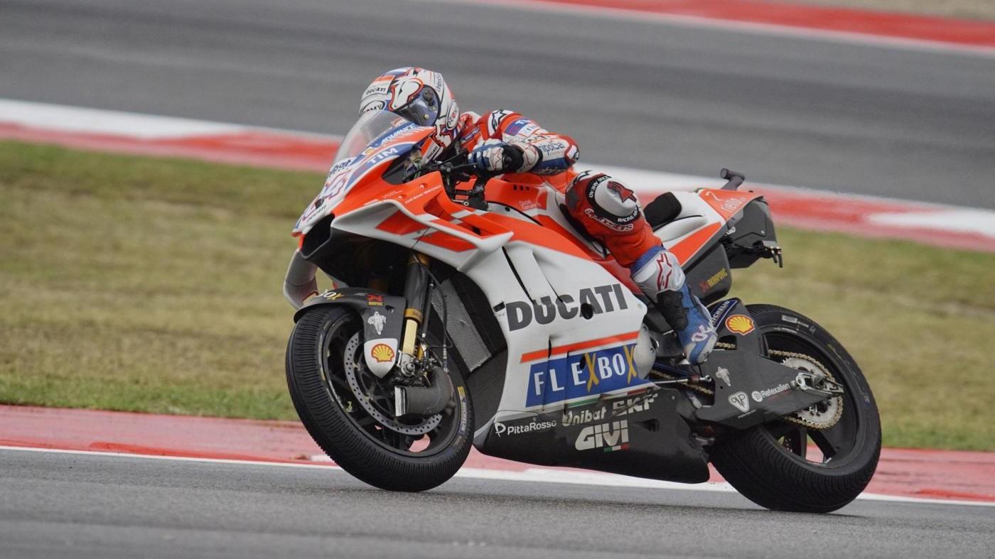 Gp Giappone, Dovizioso vince davanti a Marquez, Rossi si ritira