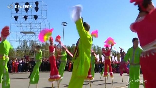 Cina, 12.000 danzatori al ballo da Guinness