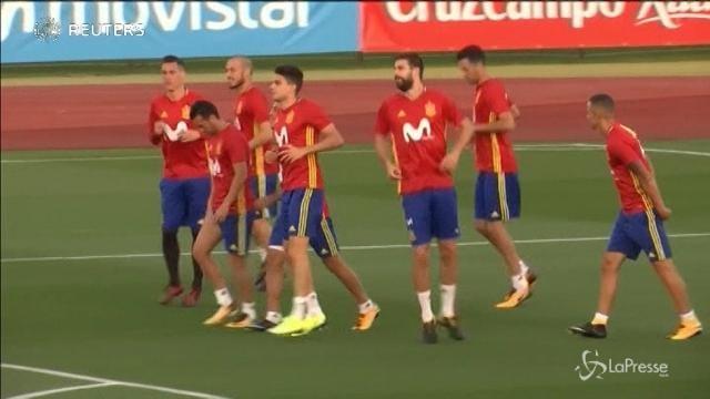 Fischi e insulti per Piquè durante l'allenamento con la Spagna