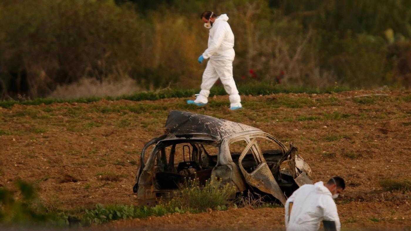 """""""Giustizia per Daphne"""": proteste ai tribunali per la giornalista uccisa a Malta"""