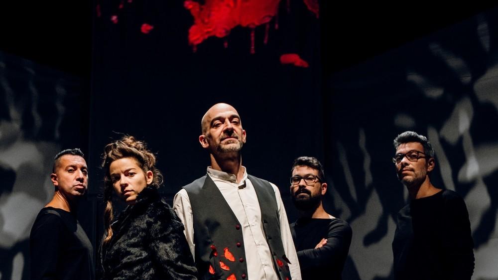 Teatro, in scena a Torino 'Dracula' con dieci canzoni dei Perturbazione