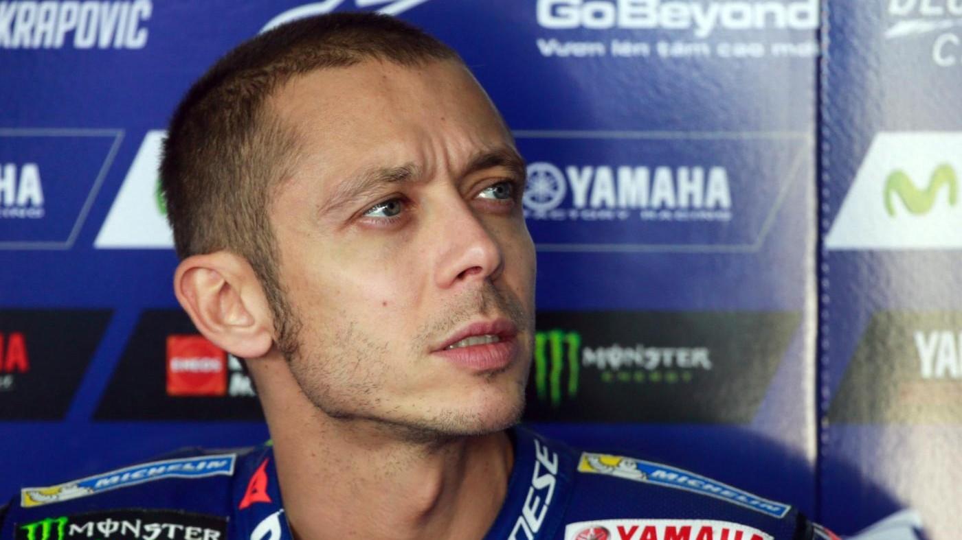 """Motogp, Rossi: """"Ho male alla spalla, sono sofferente"""""""