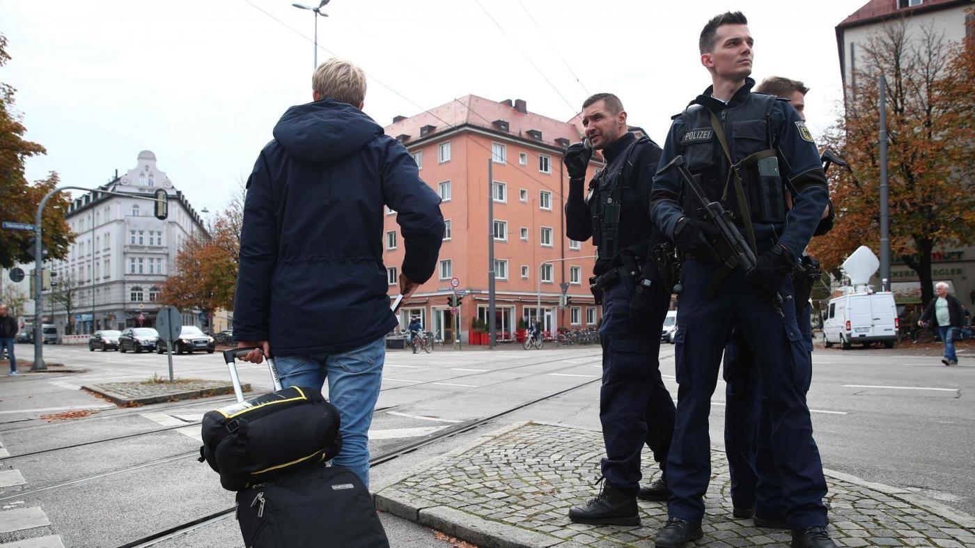 Monaco, uomo ferisce otto persone con un coltello: non è terrorismo