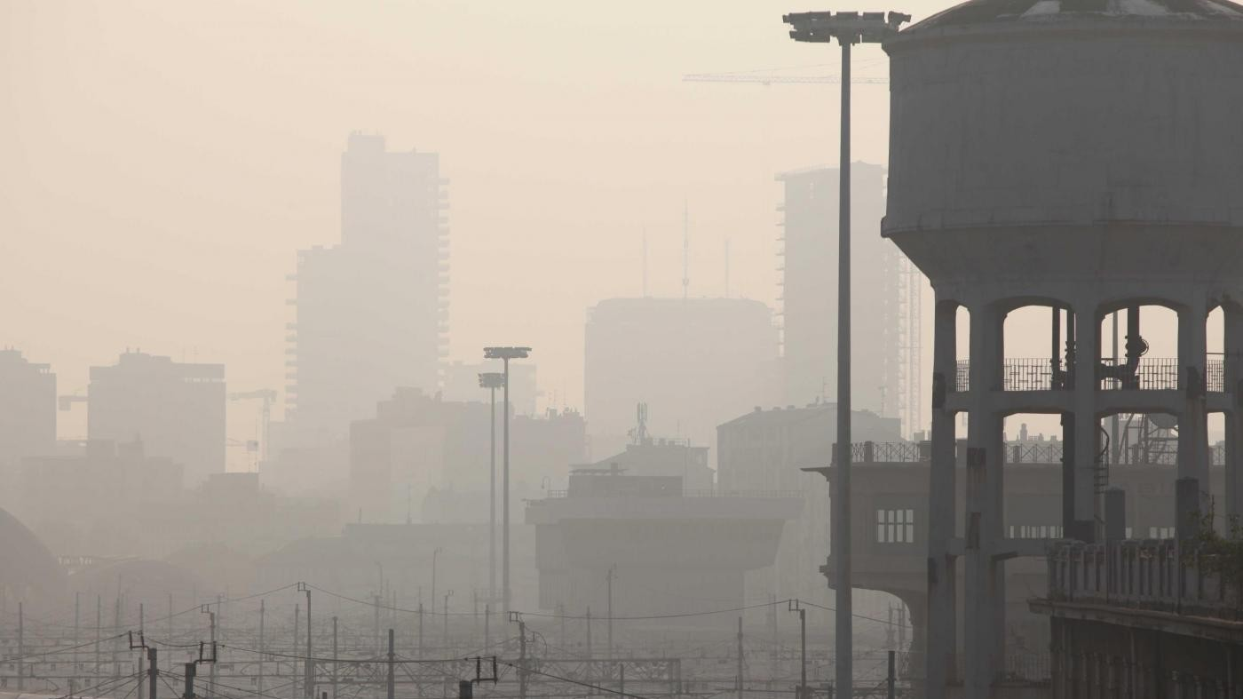Smog, Appendino: Situazione grave, non è esagerato tenere le finestre chiuse