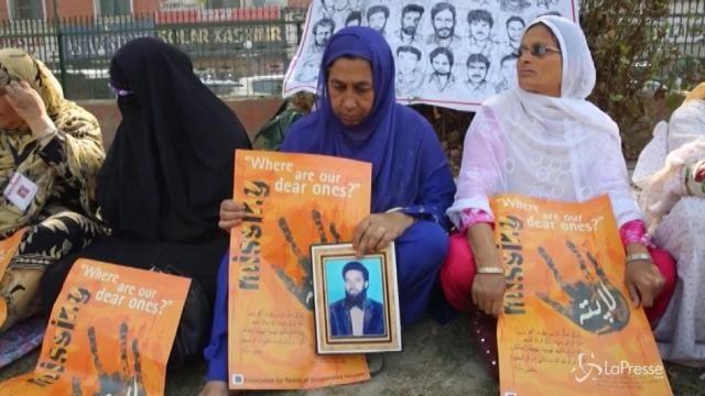 India, la protesta silenziosa dei familiari di desaparecidos musulmani