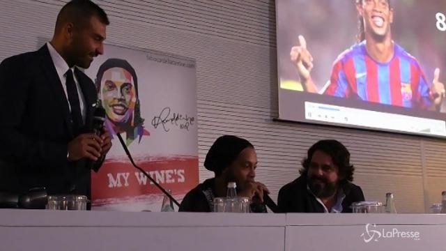 Ronaldinho a Lecce per il vino che porta il suo nome