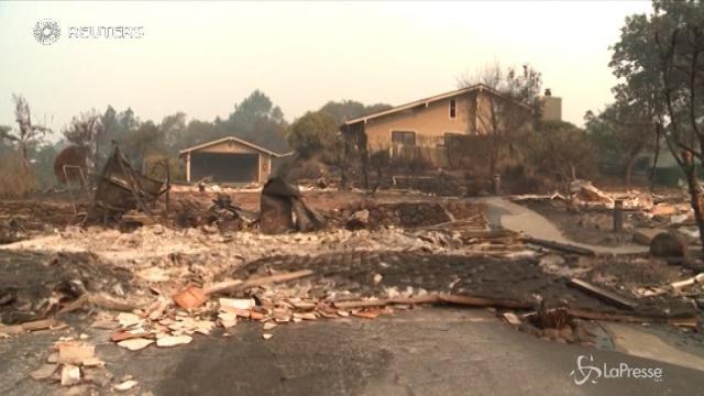 Incendi in California, evacuazioni in corso