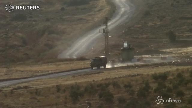 Convoglio dell'esercito turco varca la frontiera con la Siria