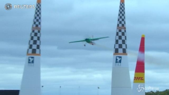 A Indianapolis lo spettacolo del volo acrobatico a ostacoli