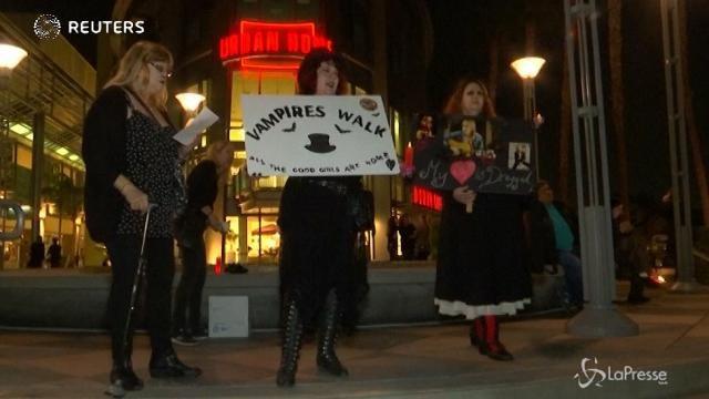 Los Angeles, la passeggiata dei vampiri per omaggiare Tom Petty