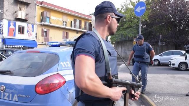 Napoli, agguato a Piscinola: ferito un 35enne
