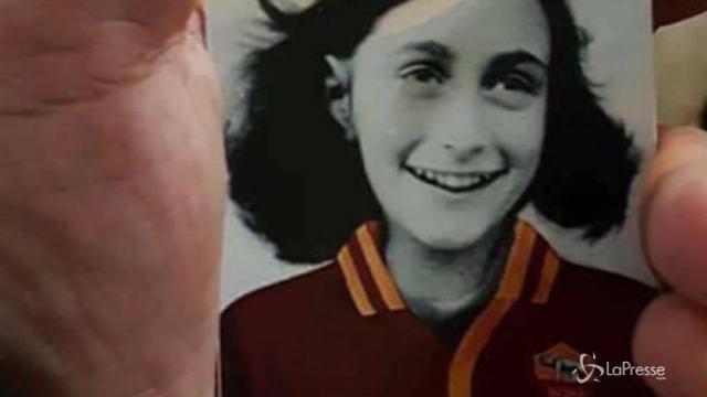 Anna Frank con maglia Roma, tifosi laziali accusati di antisemitismo