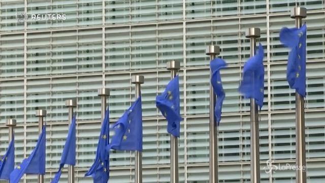 Legge bilancio, l'Ue chiede chiarimenti a Padoan