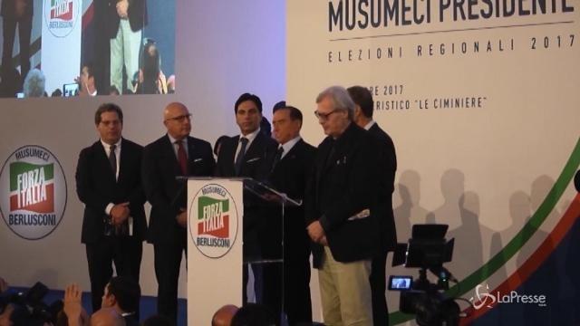 """Sicilia, Berlusconi: """"Nel nostro governo pochi politici, cambieremo l'Italia"""""""